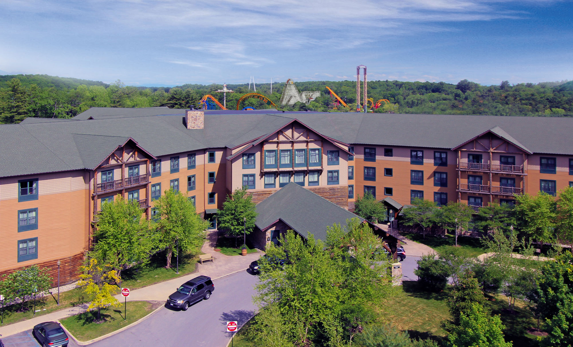 Great Escape Resort with Outdoor Theme Park & Indoor Waterpark Access