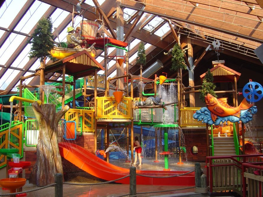 Interactive treehouse at waterpark