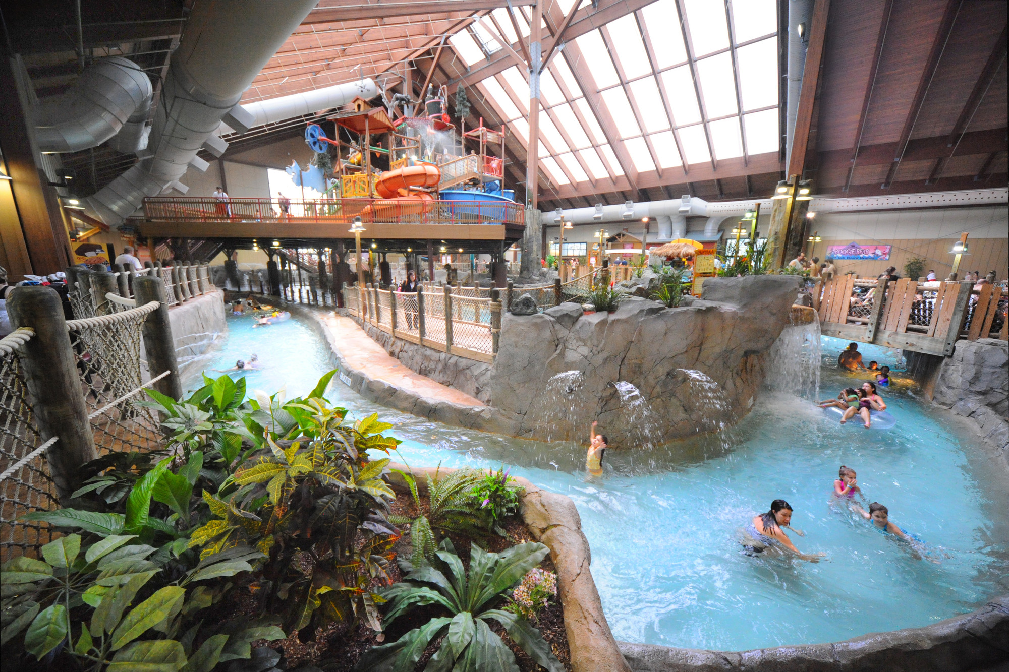 Great Escape Lodge with Indoor Waterpark Access